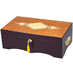 Three Diamond Wood Inlay Cigar Humidor 125ct Cigars